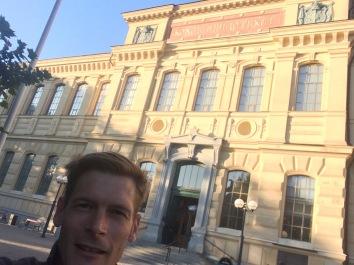 in front of the kungliga biblioteket