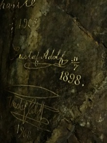 Swedish Royalty Signatures in Gold